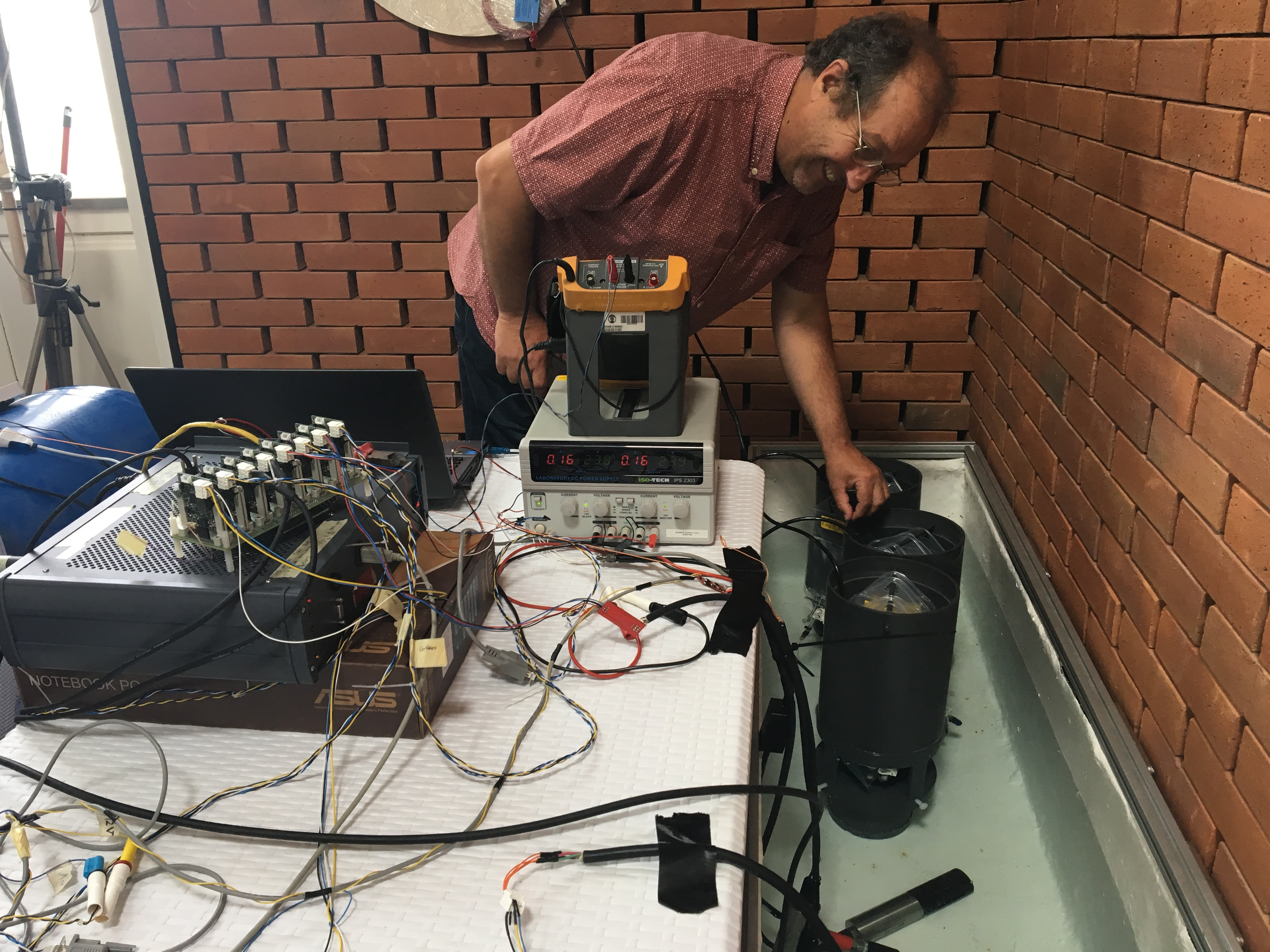 Robin Pascal (NERC) overseeing the WP5/WP6 sensor payload demonstrations in Porto